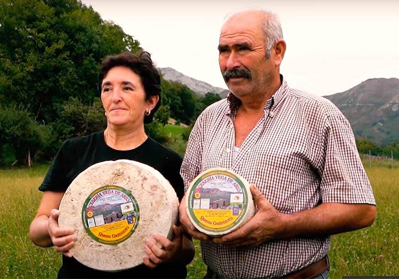 Elaboradores Rosa y José Antonio